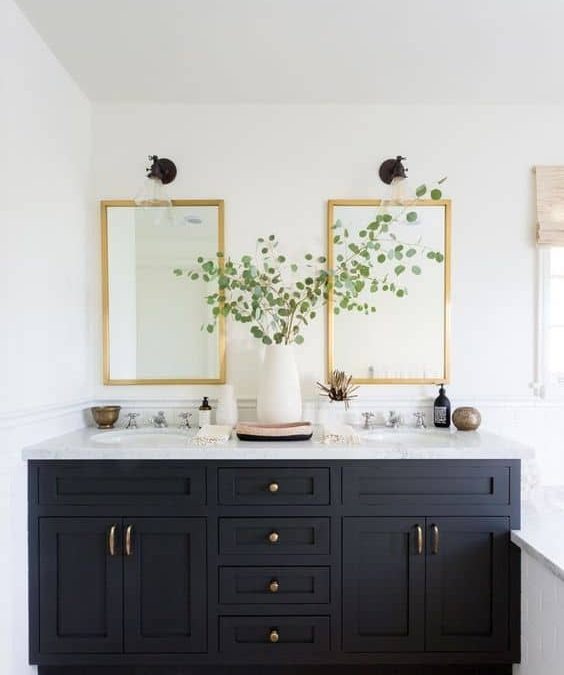 Lakewood Classic Traditional Bathroom
