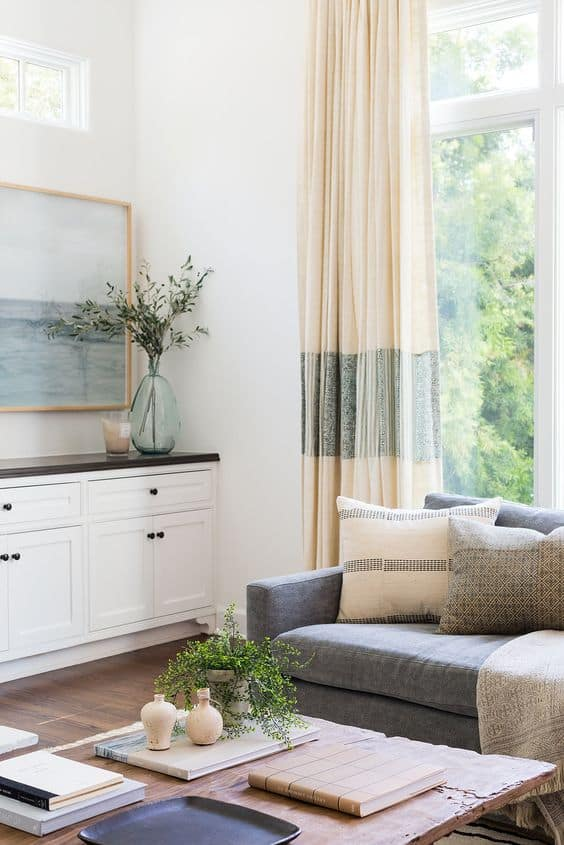 try neutral paint on the walls to make colors stand out