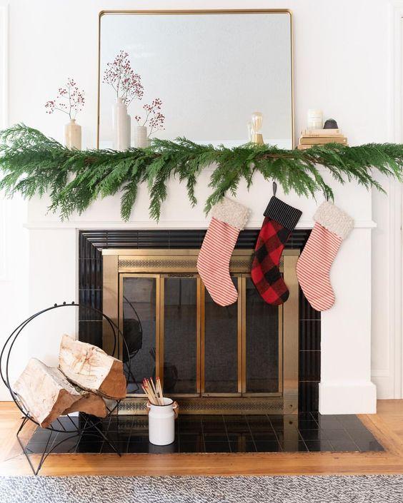 Classic Christmas Mantel Styling
